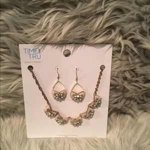New Necklace & Earring Set